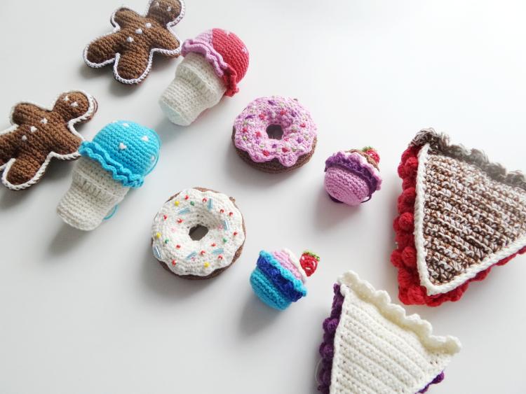tydzień przedświąteczny, Szkoła Szydełkowania, ciasto z owocami, szydełkowe ciastko, tutorial, szydełkowanie, crochet, crochet pie slice, crochet cake