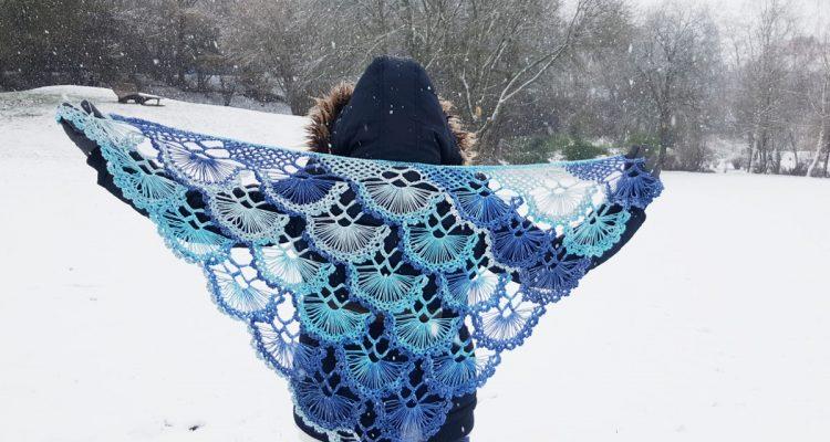 chusta szydełkowa, chusta na szydełku, crochet shawl, crochet, szydełkowanie, Szkoła Szydełkowania, Schachenmayr Florida Color, Królowa Śniegu